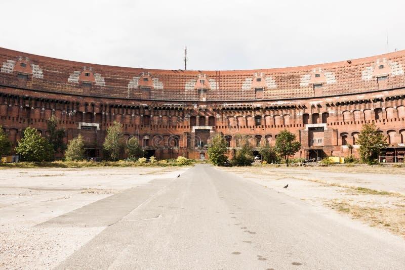 Precedente costruzione del corridoio di Nazi Congress a Norimberga, Germania all'interno immagine stock