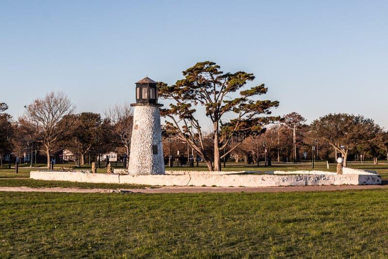 Precedente faro di golf miniatura della spiaggia di Buckroe a Hampton, la Virginia fotografia stock libera da diritti