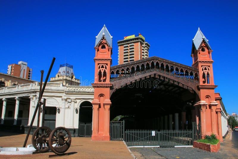 Precedente stazione ferroviaria a Asuncion, Paraguay immagini stock