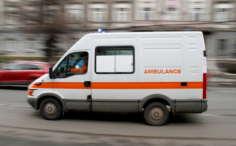 Precipitación de la ambulancia de la emergencia fotos de archivo libres de regalías