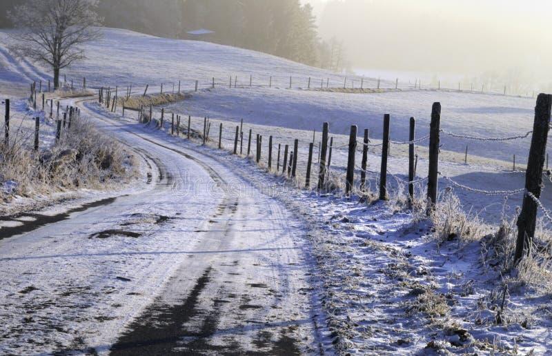 Precipitazioni nevose in campagna fotografie stock