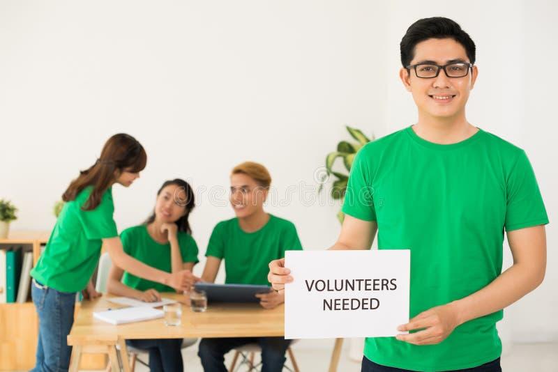 Precisando voluntários fotos de stock