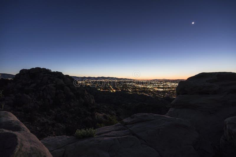 Predawn Rocky Mountain View de vallée de Los Angeles photo libre de droits