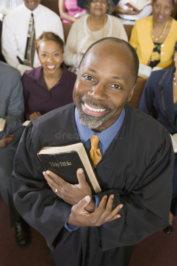 Predicador y congregación imagen de archivo libre de regalías