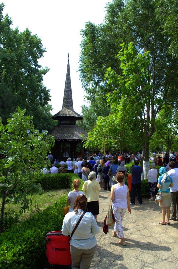 Predikan i kyrkogården royaltyfria foton