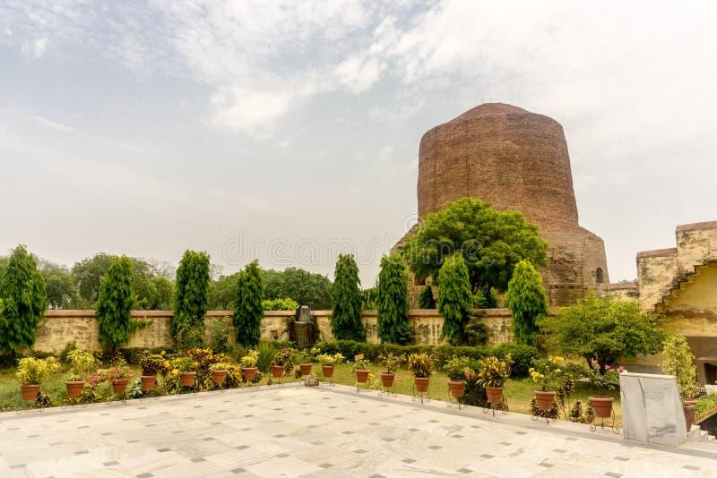 Predikanen för Buddha` s första - Sarnath fotografering för bildbyråer