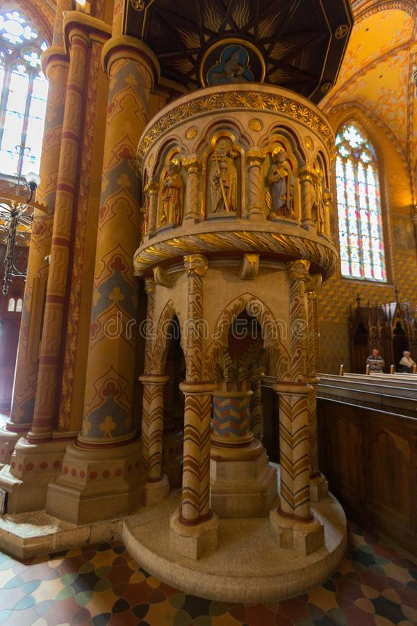Predikstolen av Matthias Church, kyrka av vår dam av Buda, i Budapest, Ungern fotografering för bildbyråer