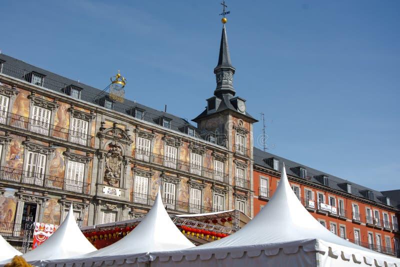 Prefeito da plaza do Madri com as barracas para o evento chinês do ano novo fotografia de stock