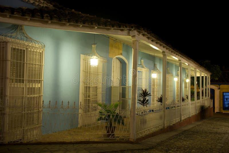Prefeito na noite, Trinidad da plaza, Cuba fotos de stock