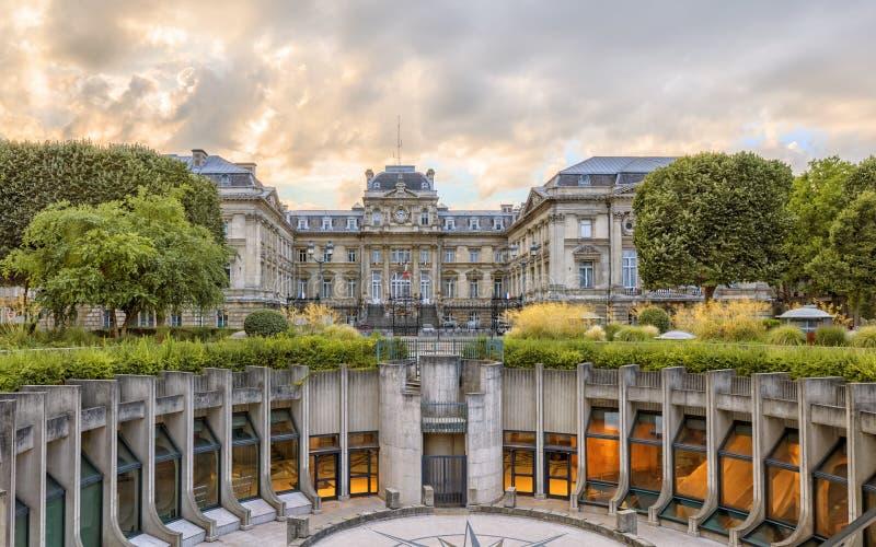 Prefeitura de Lille no quadrado da república imagem de stock royalty free
