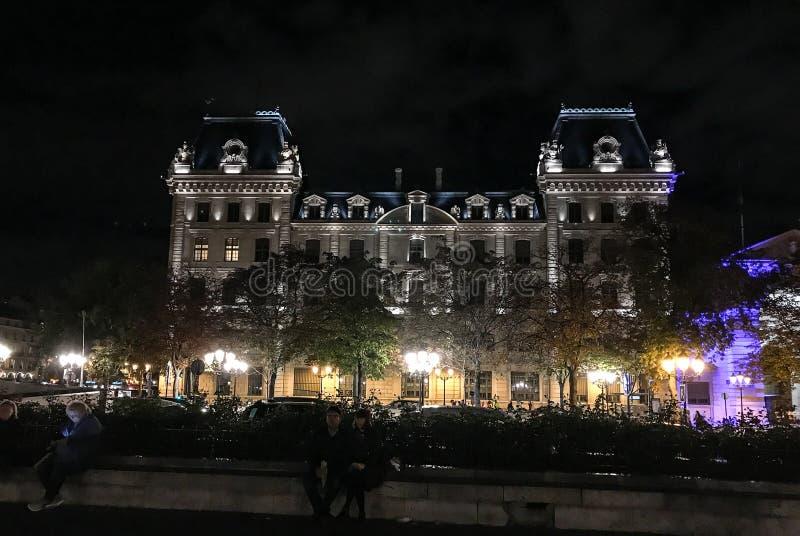 Prefektura De Utrzymujący porządek, Paryż, Francja, zaświecający up przy nocą zdjęcie royalty free