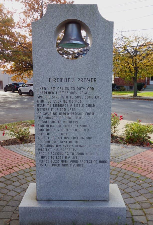 Preghiera del ` s del vigile del fuoco ai pompieri commemorativi in Rockaway orientale, New York fotografia stock libera da diritti