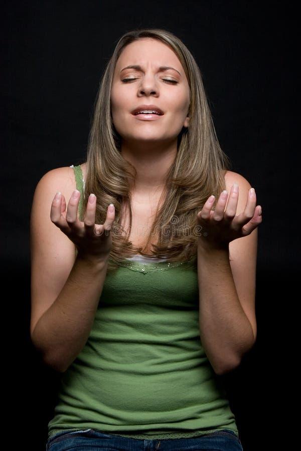 Preghiera della ragazza fotografie stock libere da diritti