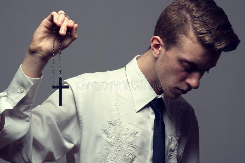 preghiera maschio d'avanguardia fotografie stock libere da diritti