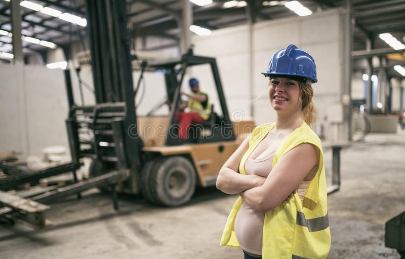 pregnant-construction-worker-nude-turbo-fuck