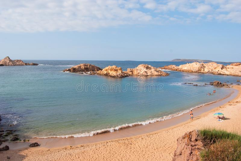 Pregonda liten vik av Menorca en spansk ö arkivfoton
