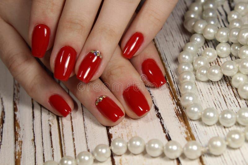 Download Pregos vermelhos bonitos foto de stock. Imagem de beleza - 107528546