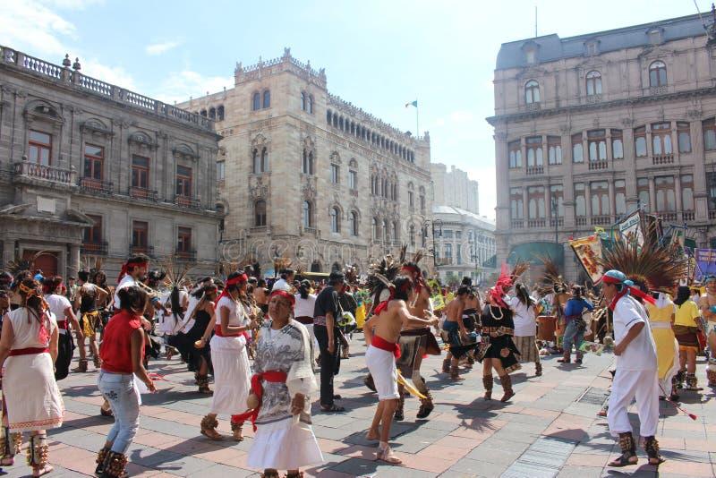 Prehispanic tancerze w Meksyk zdjęcia royalty free