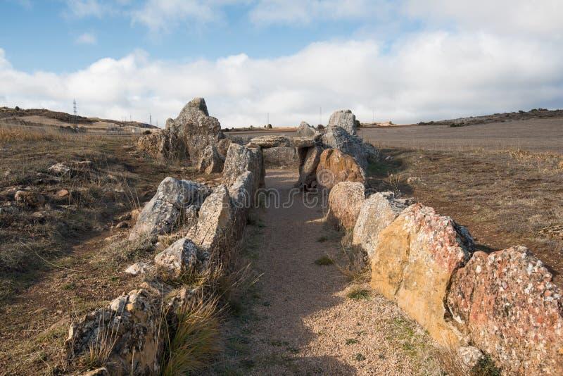 Prehistocric megalityczny dolmen w Mazariegos, Burgos prowincja, Hiszpania obraz royalty free