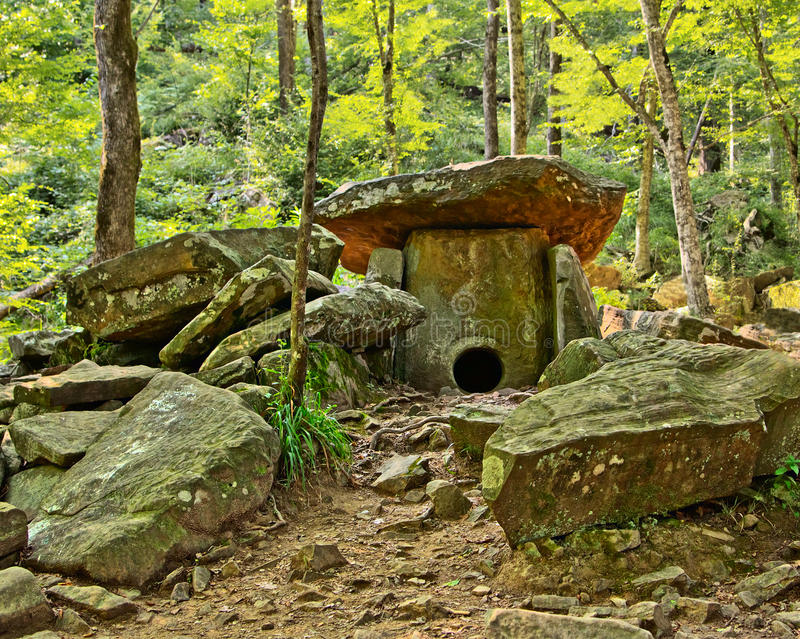 Prehistoryczny dolmen zdjęcia royalty free