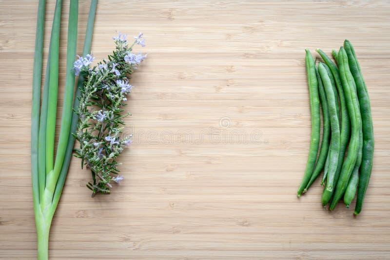 Prei, rozemarijn en stringless bonen stock foto