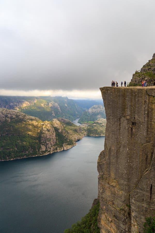 Preikestolen-Fjord Norwegen stockfotografie
