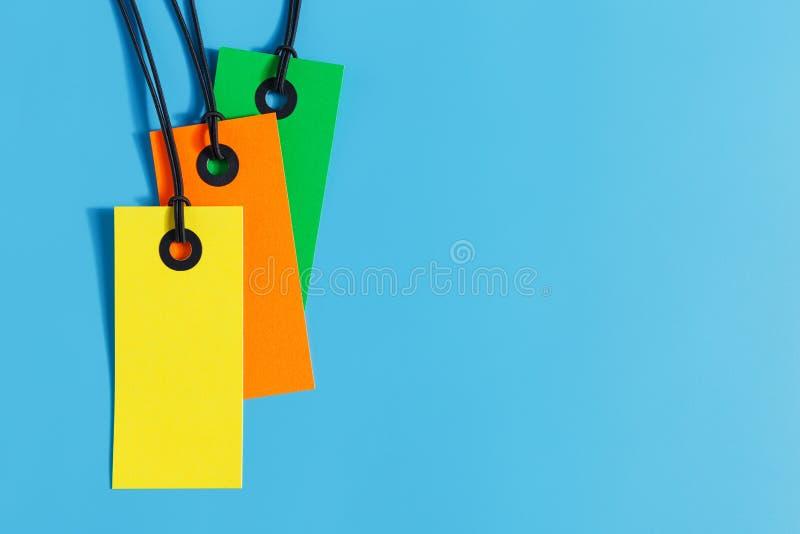 Preis auf blauem Hintergrund stockbild