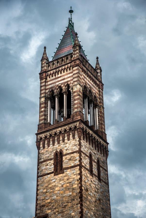 Première église d'engagement à Boston du centre pendant le jour orageux photos stock