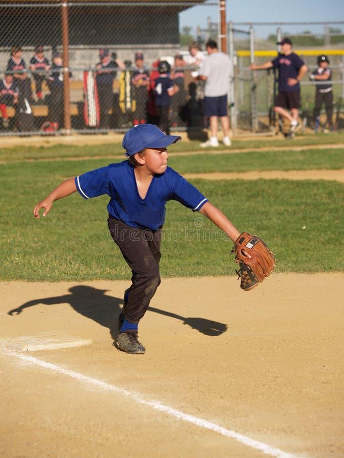 Première base de base-ball de petite ligue image libre de droits