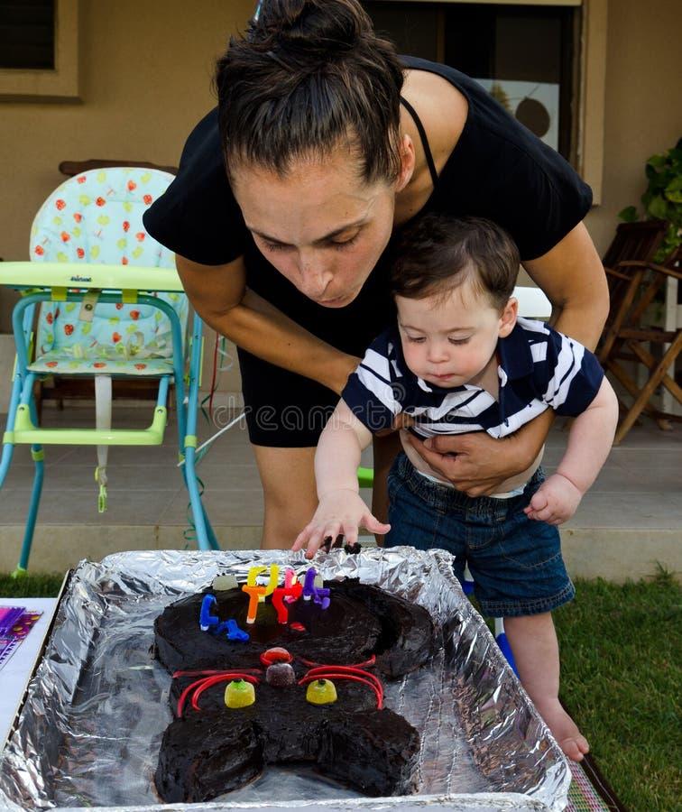 Première fête d'anniversaire de bébé garçon photo stock