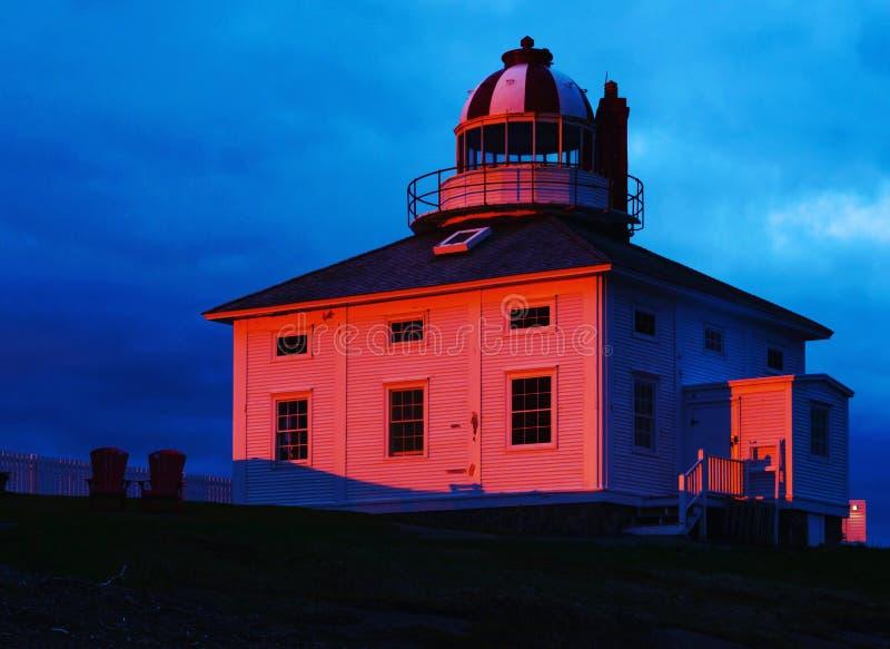 Première lumière sur le phare photographie stock libre de droits