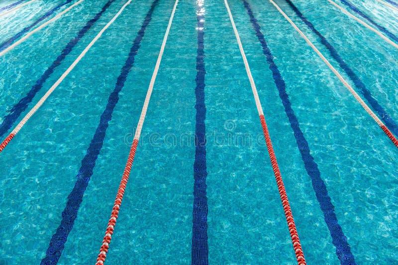 Première vue de piscine photographie stock
