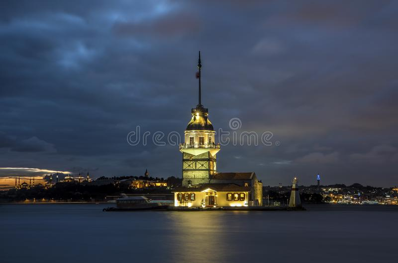 Premier bâtiment historique de Kiz Kulesi de tour de la Turquie Istanbul photographie stock libre de droits