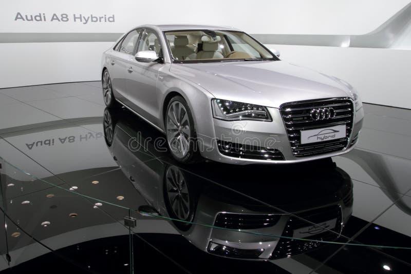 Premier híbrida de Audi A8 - de Genebra mostra 2010 de motor foto de stock