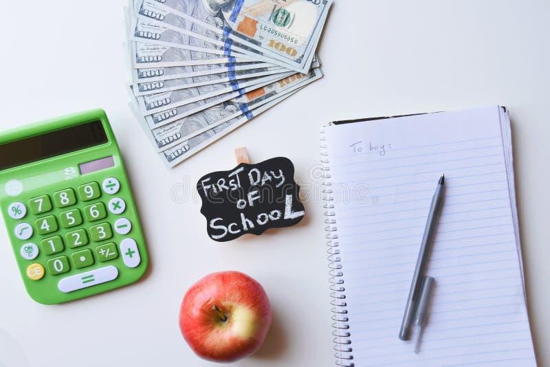 Premier jour des dépenses d'école photographie stock