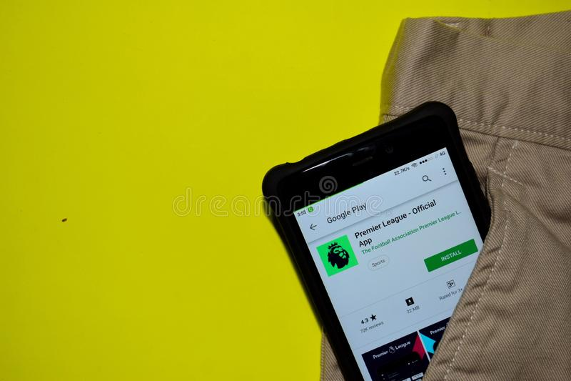 Premier League - aplicação oficial do colaborador do App na tela de Smartphone fotos de stock royalty free