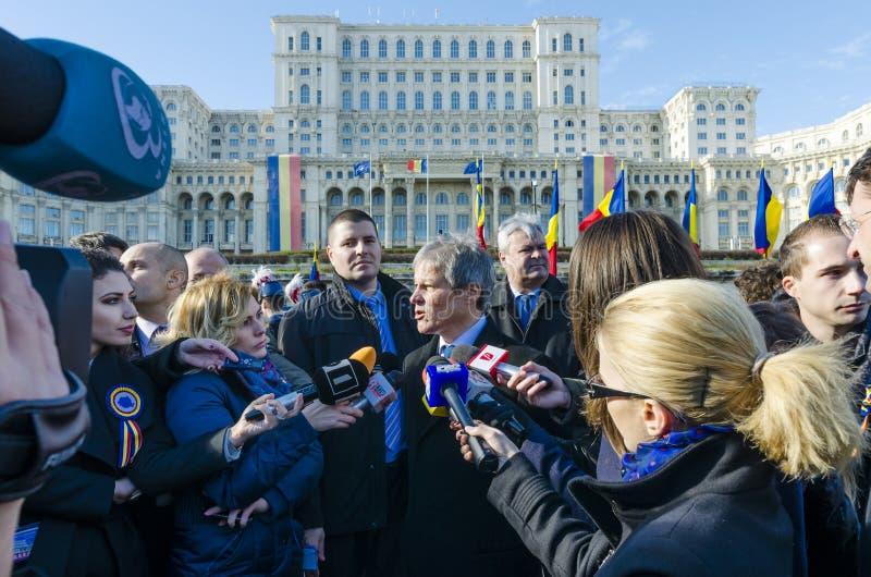 Premier ministre roumain Dacian Ciolos photographie stock libre de droits