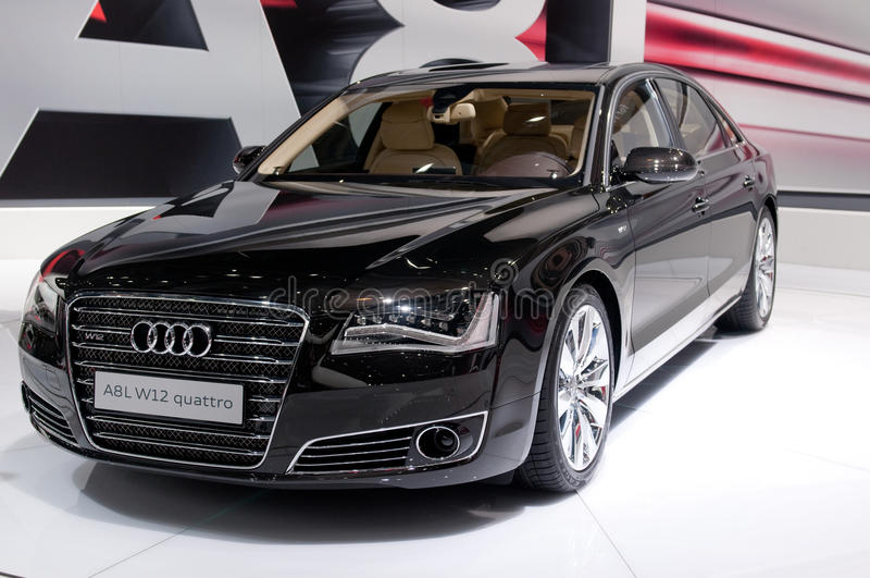 Premier russian de Audi A8 por muito tempo - fotografia de stock royalty free