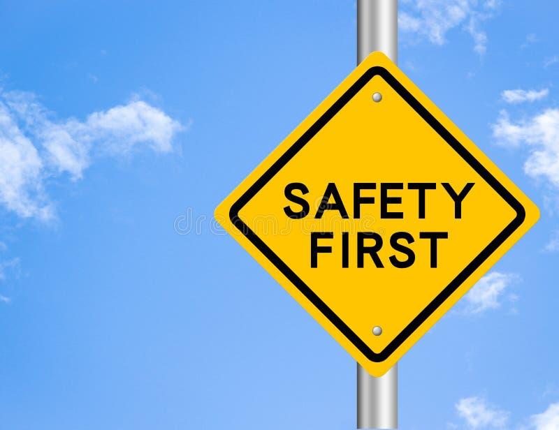 Premier signe de route de sécurité images libres de droits