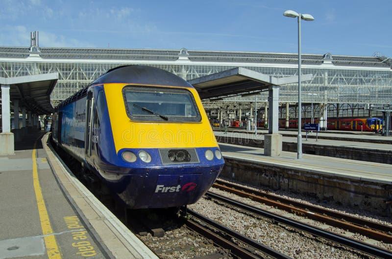 Premier train de Great Western à la station de Waterloo, Londres image libre de droits