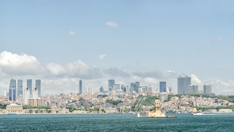 Premiers tour du ` s et Bosphorus, Istanbul, Turquie images stock