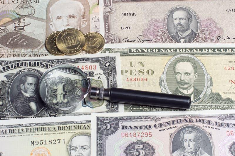 Premios de los billetes de banco de las monedas de los coleccionables fotos de archivo libres de regalías