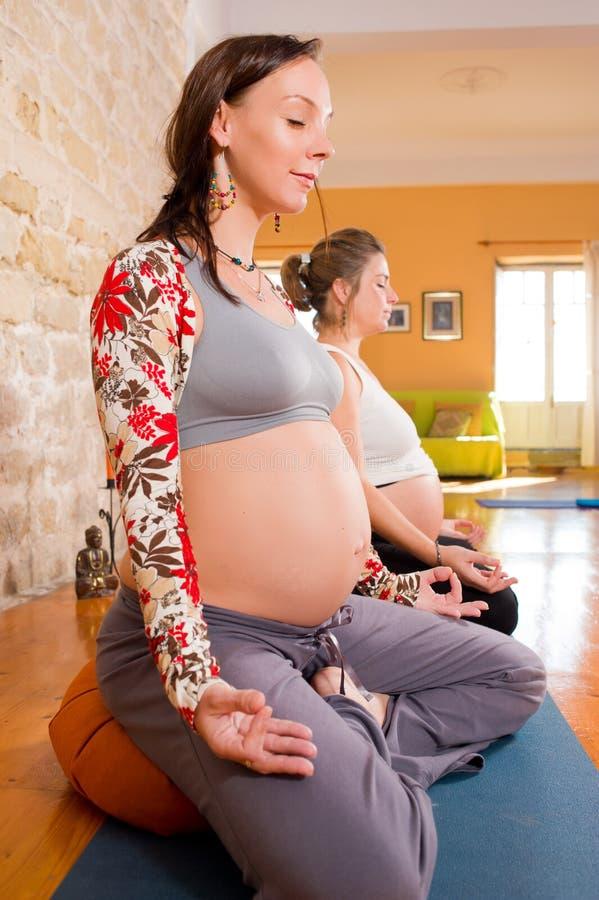 Prenatale yoga stock foto's