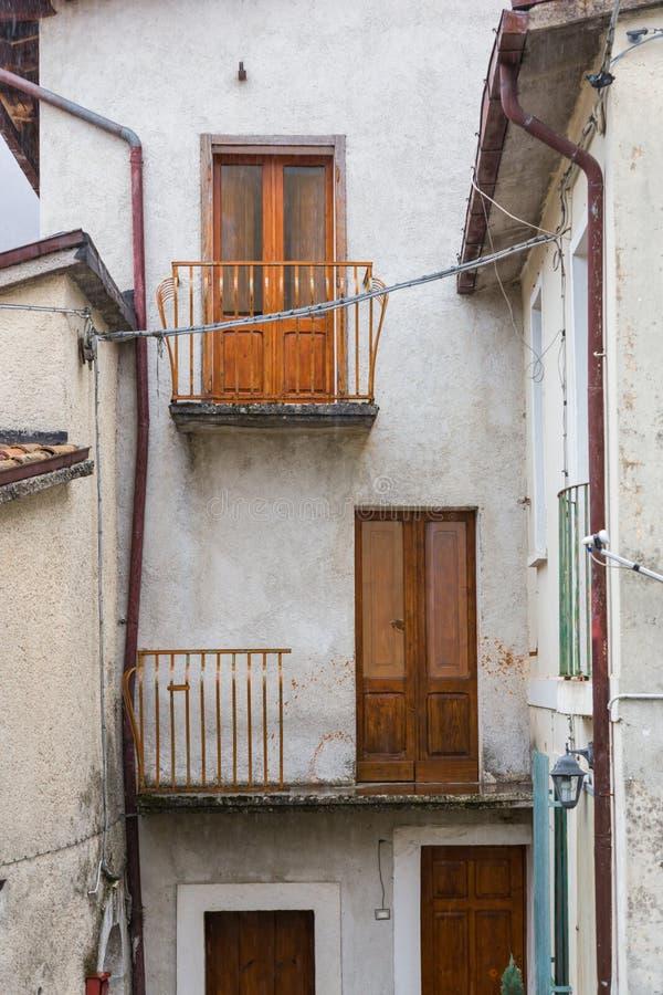 Prenda al centro del villaggio, Villetta Barrea, Abruzzo, AIS fotografie stock libere da diritti