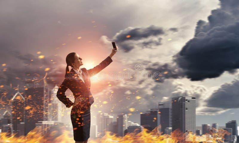 Prenda il vostro migliore selfie Media misti illustrazione vettoriale