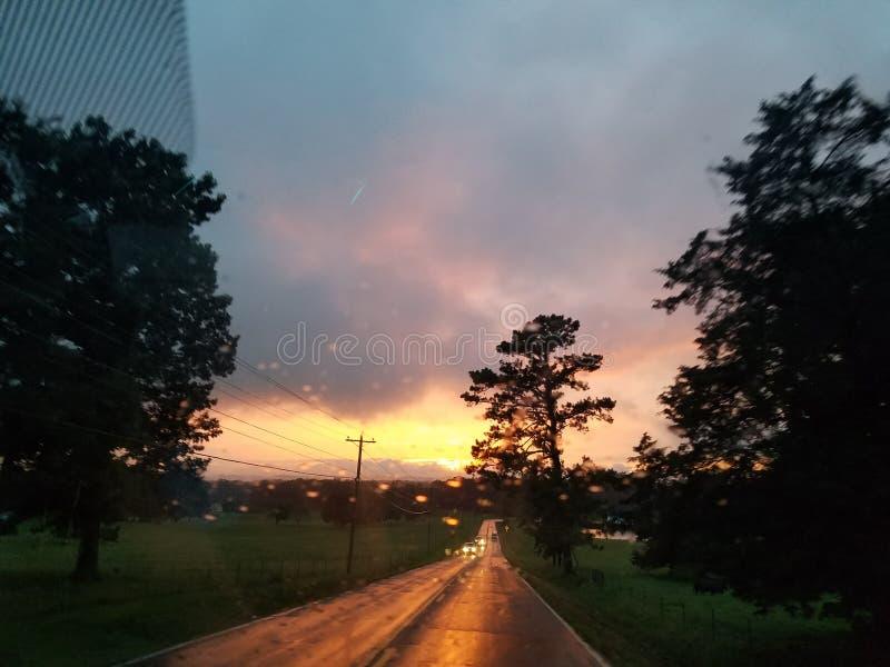 Prenda la via di casa lunga fotografie stock libere da diritti