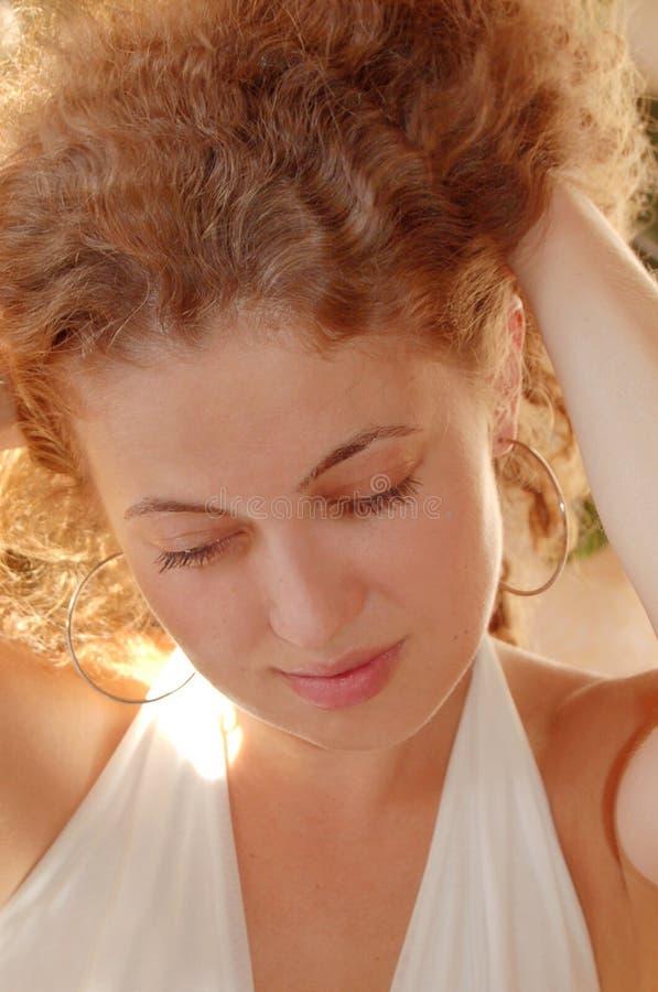 Prendendo capelli fotografia stock libera da diritti