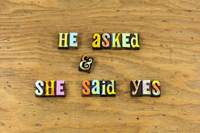 Prensa de copiar romántica del sí del amor de la propuesta de matrimonio foto de archivo libre de regalías