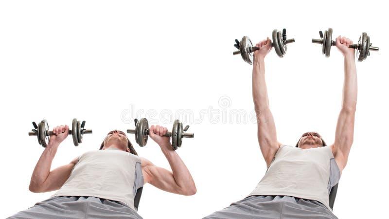 Prensa del pecho de la pesa de gimnasia fotografía de archivo libre de regalías