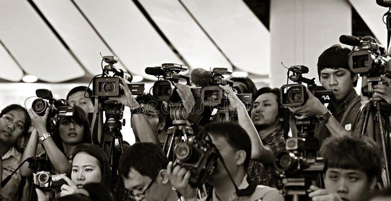 Prensa y medios en rueda de prensa imagen de archivo libre de regalías